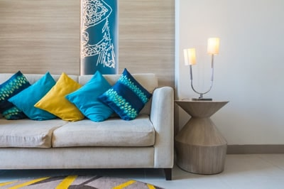 como usar almofadas na decoração de forma simples
